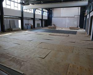 Sportforum: Versammlungsraum, Geräteräume und erste Geräte in CrossFit